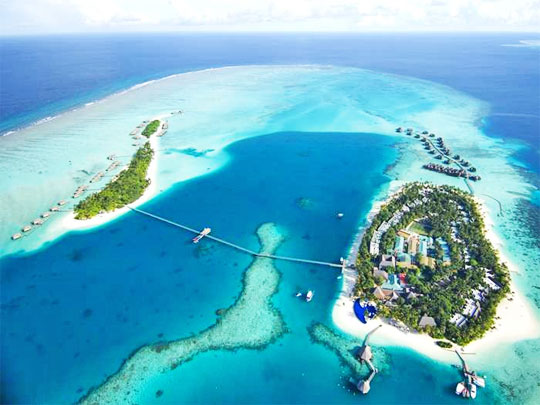 Discover barefoot luxury at this award winning maldives resort for Hotel conrad maldives rangali island resort
